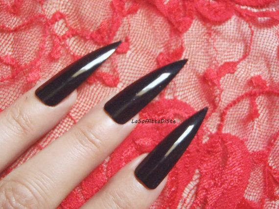 long black stiletto nails halloween costume vampire wag rock drag queen false tips goth uñas quirky cosplay sexy men pointy lasoffittadiste