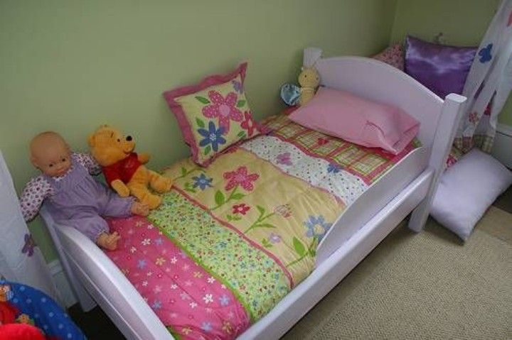 Helping Toddlers Sleep: Tips to Help a Toddler Go to Bed Easily