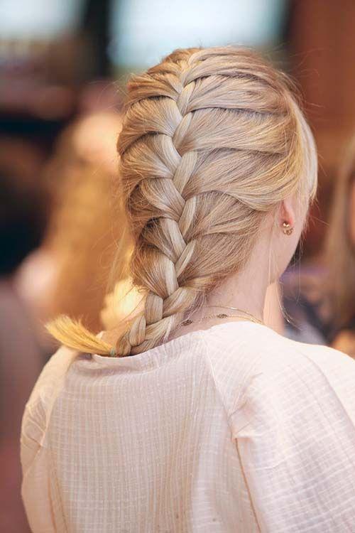 Vem ver 20 lindas tranças francesas e aprenda a fazer com passo-a-passo para trança francesa dupla e trança francesa em cascata! #penteadosparafesta #trançafrancesa #salaovirtual