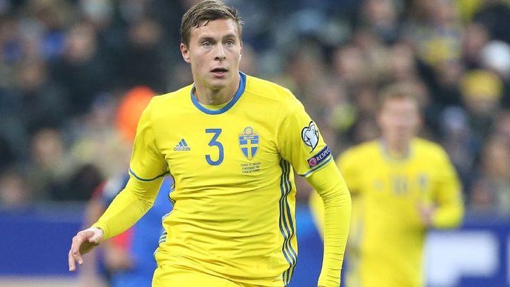 Victor Lindelof identified as key to solving Man United's defensive woes