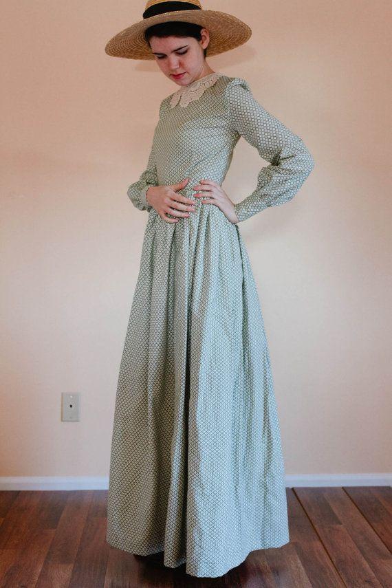 LACE Collar Plain Dress - Front Button Prairie Dress - Made to Measure Modest Dress - modesty Mennonite dress reenactment dress