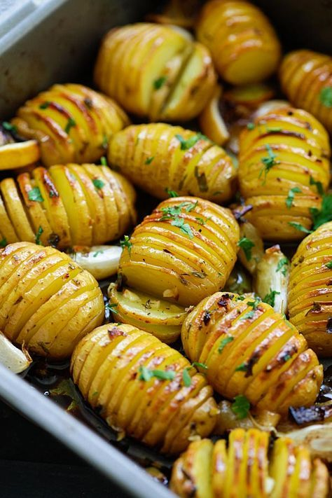 Lemon Herb Roasted Potatoes - loaded with butter, lemon, garlic and herb. 15 mins.