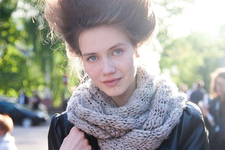 wonderful scarf: Mane Events, Bright Eyes, Big Hair, Wonderful Scarf, Chunky Scarves, Chunky Scarf, Surprised Hair