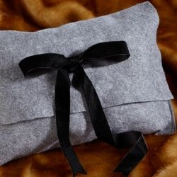 DIY Felt envelope clutch