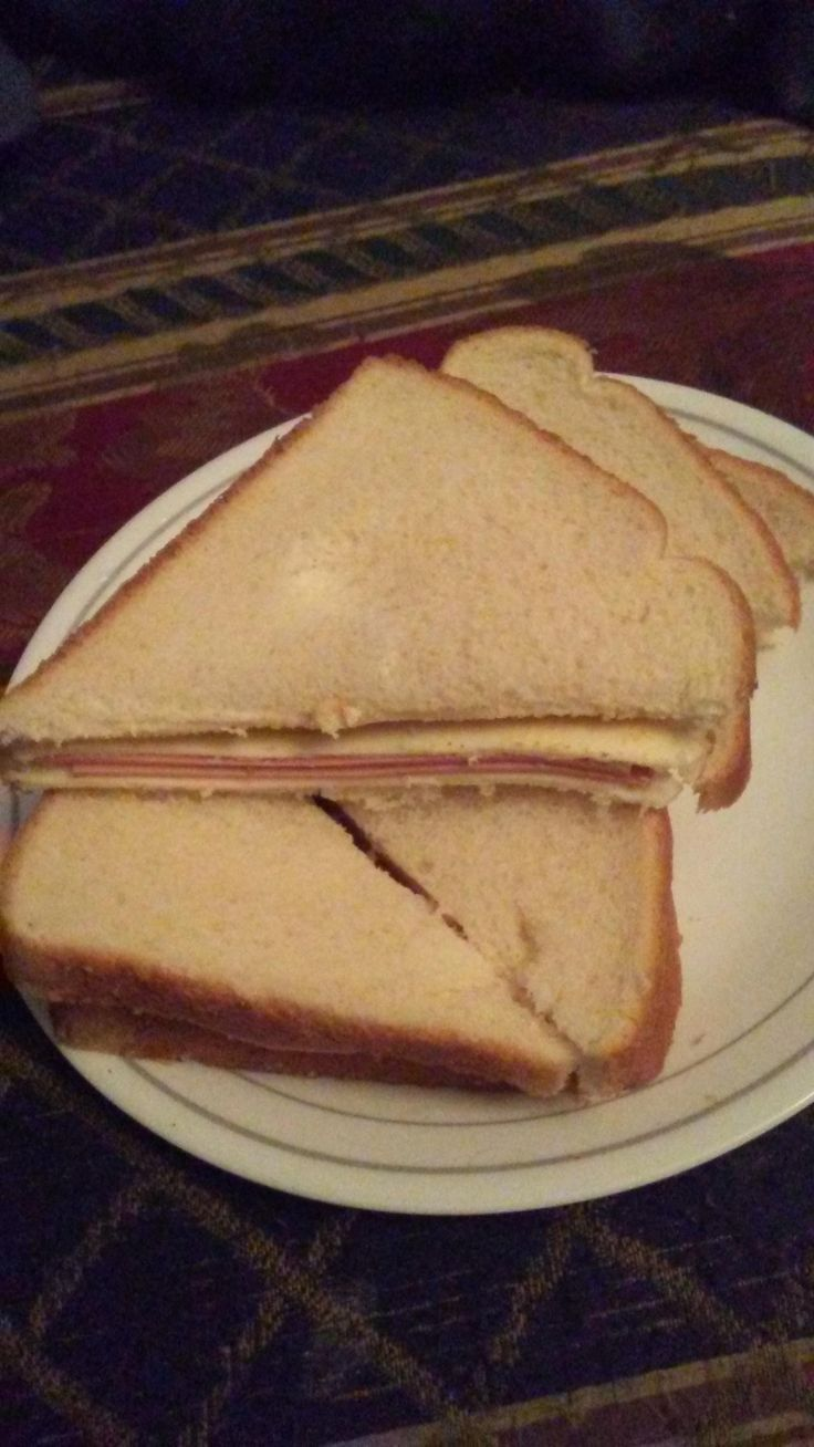 [I ate] bologna sandwich- Oscar Mayer bologna Kraft American cheese singles spicy brown mustard and white bread. http://ift.tt/2hQpOPc