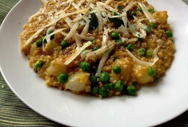 """Ris """"Oatto"""" with Peas, Pearl Onoins and Pecorino: Foodies Fun, Fall Recipes, Pearls Onions, Joy, Kosher, Cafe Dj Recipes, Risotto Recipes, Healthy Recipes, Oatmeal Recipes"""