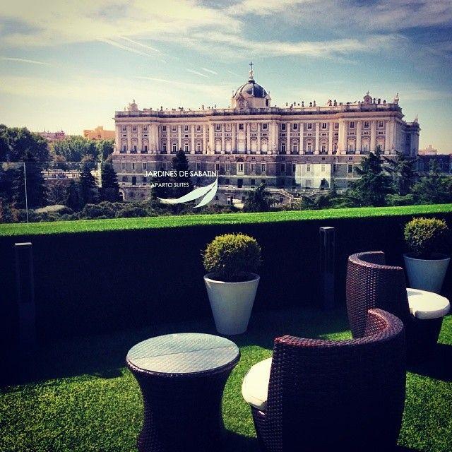 Terraza apartosuites jardines de sabatini madrid en los for Hotel jardines sabatini