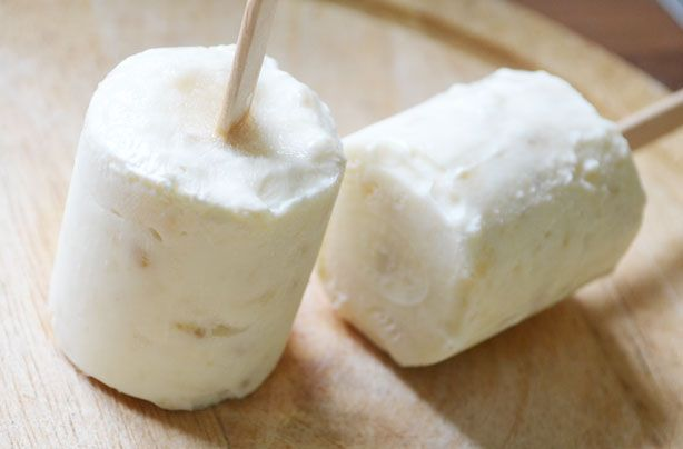 Banana and yogurt ice pops Love this healthy idea - once again no added sugar  ... If only my freezer worked!