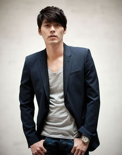 hyun bin loose tee with blazer. thats it