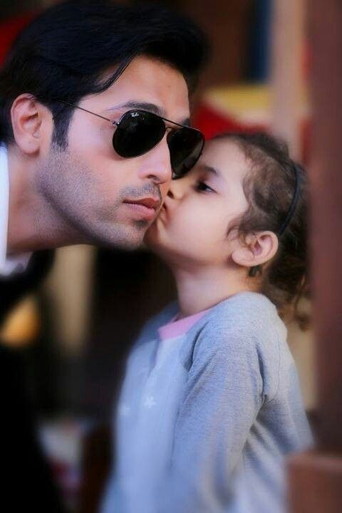 Fahad mustafa with her daughter