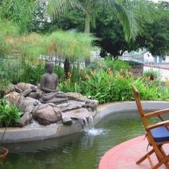 JARDIM ASIÁTICO-TROPICAL - FAZENDA CABREÚVA.: Jardins Asiático por Eduardo Luppi Paisagismo Ltda.