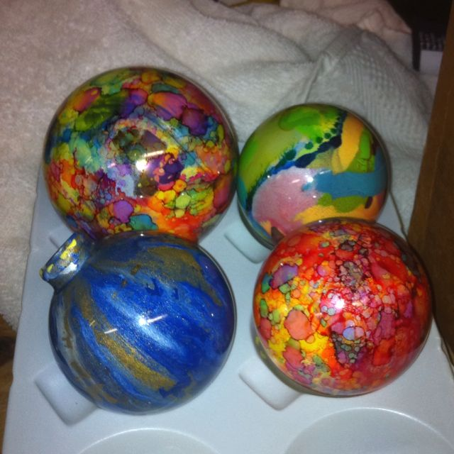 Ornaments with acrylic paint inside and alcohol ink for Glass christmas ornaments to paint