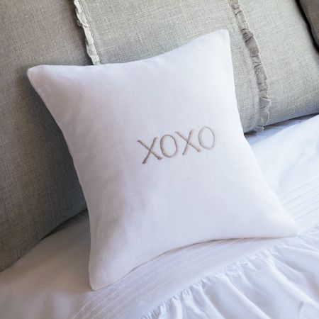 XOXO Pillow//