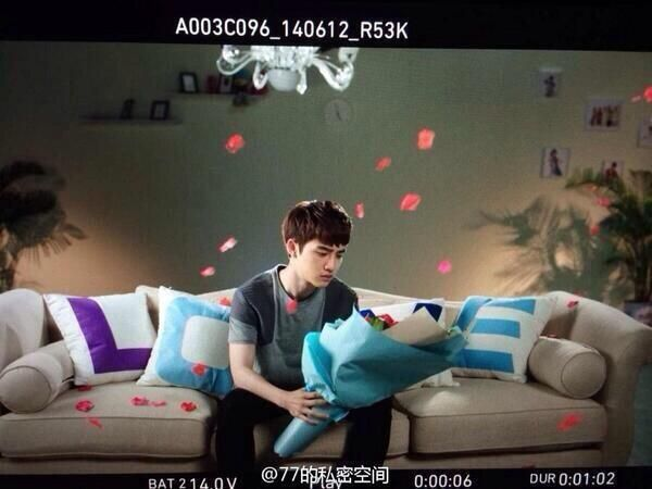 Happy Camp director Weibo update - EXO D.O
