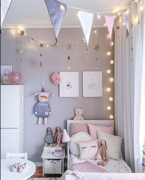 i like the little table in the room - Girls Kids Room Decorating Ideas