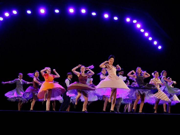 """No sábado, dia 22, a partir das 18h, o Auditório Araújo Vianna é palco da terceira edição da """"Maratona de Dança da Cidade"""". A mostra reúne coreografias das principais companhias e artistas da capital gaúcha, em uma apresentação de quatro horas, com entrada Catraca Livre."""