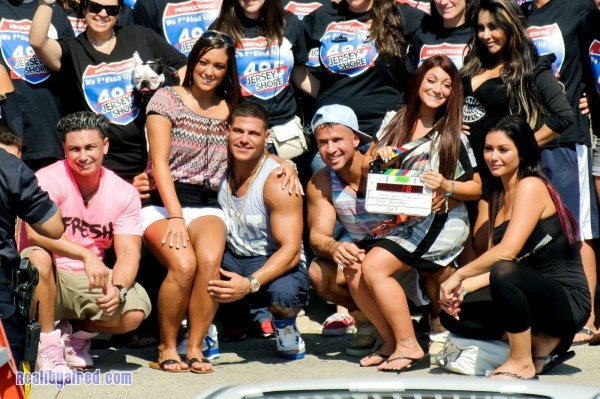 The Jersey Shore cast takes a picture with the 495 Productions filming crew as Season 6 wraps filming