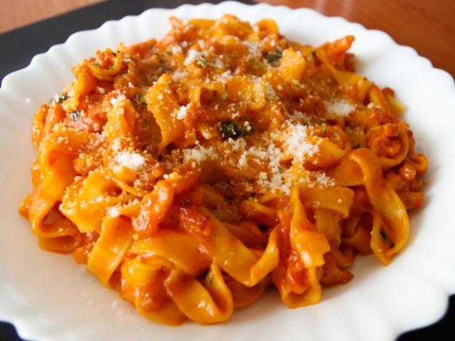 Receta de pasta con salsa amatriciana