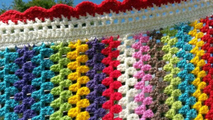 Striped crochet blanket 'Miriam'.
