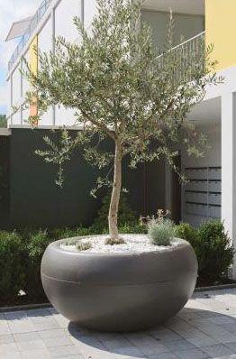 Aladin Oversized Extra Large Round Outdoor Planter | NOVA68 Modern ...