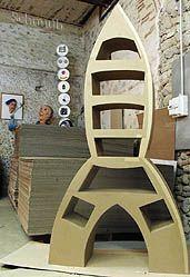 Fabrication d'une fusee meuble en carton. Stage et formations avec les methodes Schmulb
