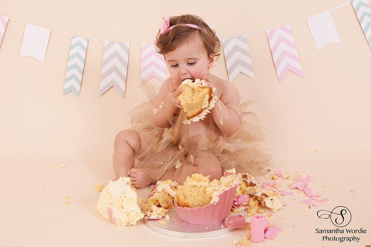 Amelia's cake smash – Wordie Photography