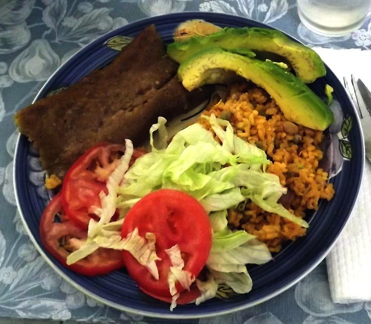 Comida navide a arroz con gandules pasteles de masa - Ensalada de arroz con atun ...