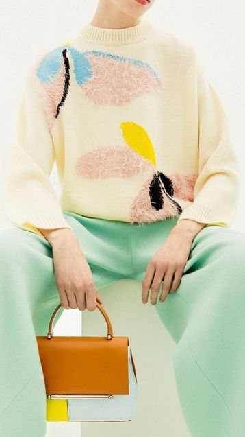 Fuzzy yarn exploded floral intarsia Delpozo Pre-Fall 2018
