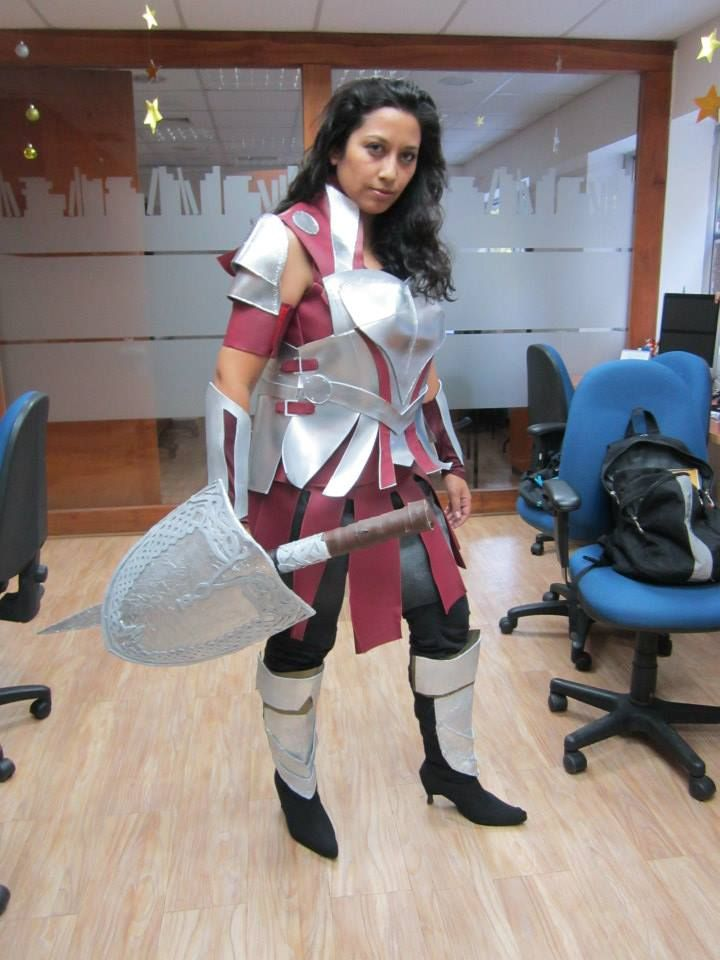 Sif Thor 2 Cosplay https://www.facebook.com/beatriz.olivera.984/media_set?set=a.10151908604728740.1073741853.711588739&type=3
