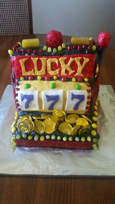 Lucky sevens slot machine cake - Lemon cake with lemon cream cheese buttercream