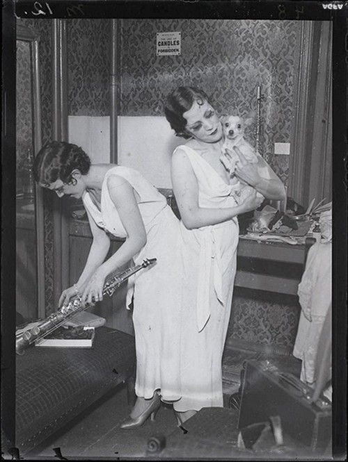 Daisy and Violet Hilton (Martin Munkacsi), 1932 - I'd love to hear a recording!