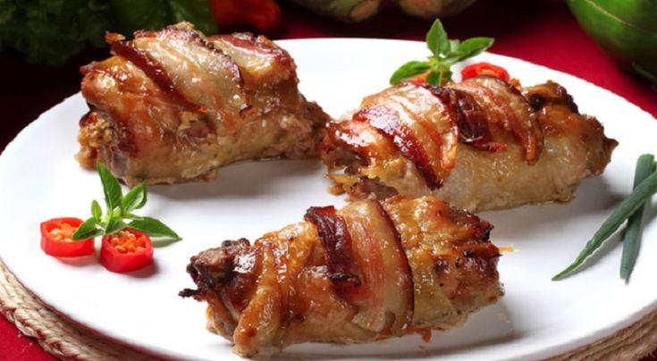 Куриные роллы с черносливом в беконе