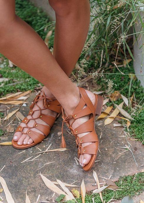 Sandales Low Spartiates - La valise de Zippora  www.sezane.com #sezane #sandales #low #spartiates #zippora #valise #summer #suitcase