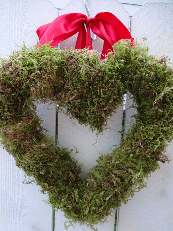 Valentine Wreath   Moss Heart Wreath   Anniversary by donnahubbard