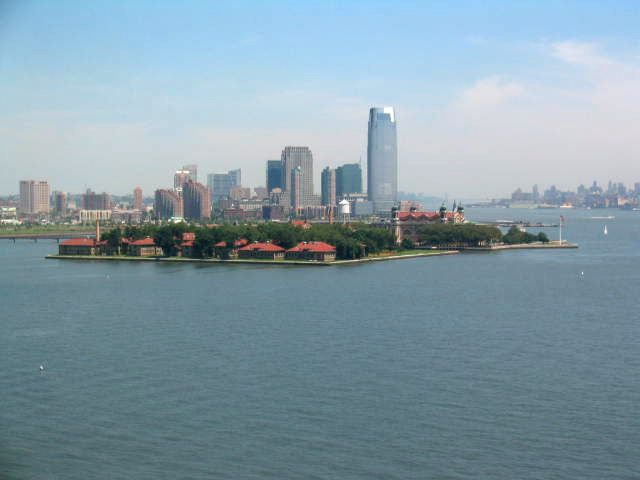 How Can You See The Statue of Liberty and Visit Ellis Island in the Same Day?