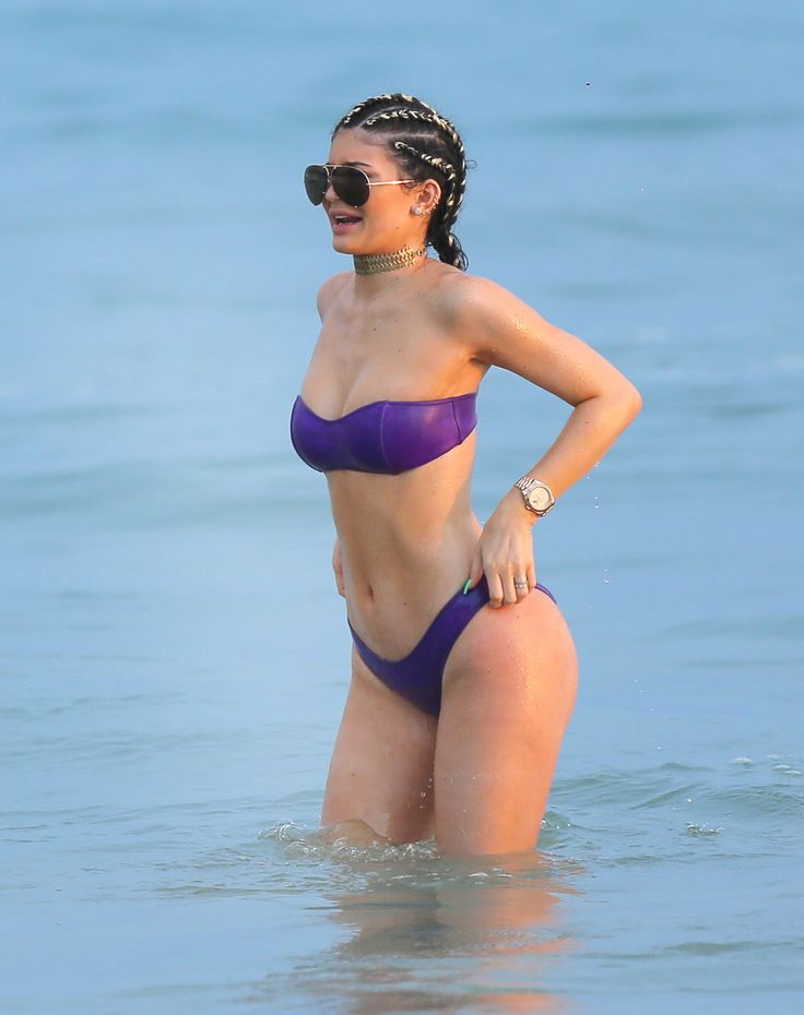 Кайли Дженнер продемонстрировала идеальное тело на пляже в Мексике - «L!fe» — информационный портал