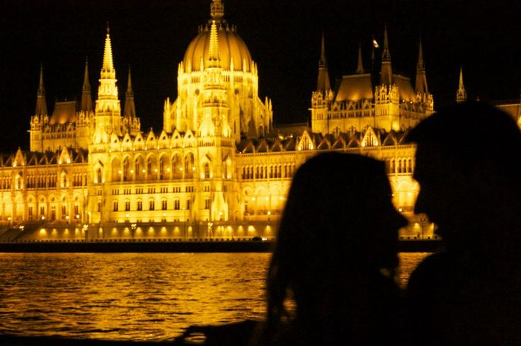The amusing Hungarian folklore dance show offers a unique experience of hungarian folk culture. After it enjoy an unforgettable cruise with dinner, drinks and wonderful view of the city swimming in lights with Tourboks!