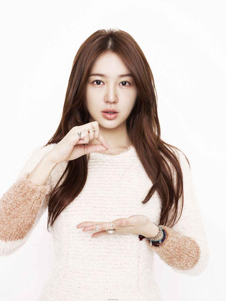 Yoon Eun Hye 尹恩惠 low layers For more lookbook-->@ sune_salon lookbook-->http://alturl.com/hff7m