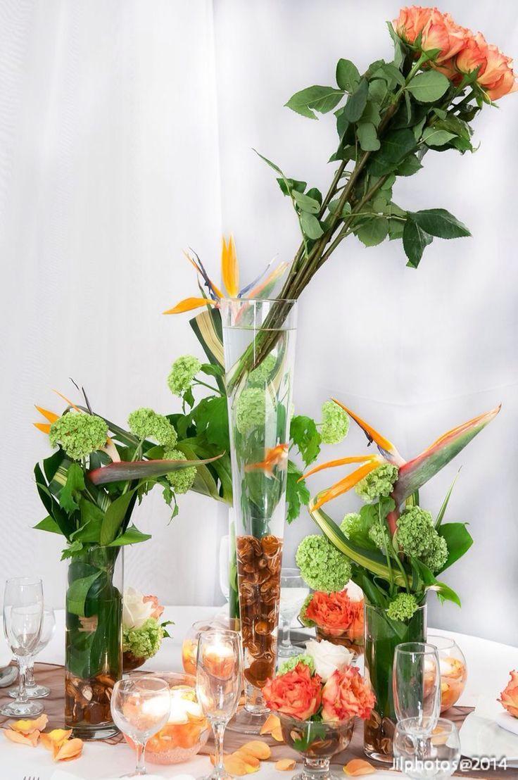 Le salon bat son plein: nos créations florales font les belles: venez les découvrir! De 10h à 19h à l'espace Champerret à Paris! #delyfleurs #mariage #salondumariage #decorationdetable #wedding