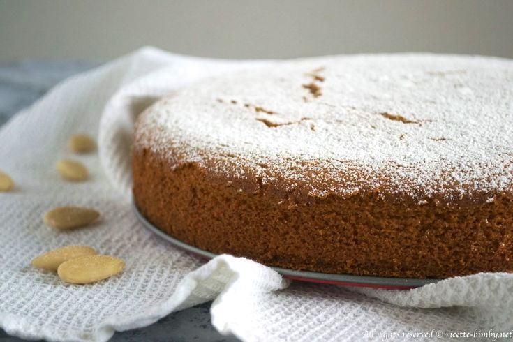La torta limone e mandorle è un dolce morbido e gustoso semplice da realizzare. Scopri la ricetta passo passo per il bimby.
