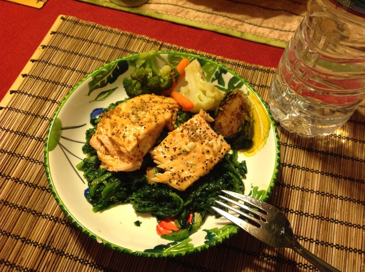 Baked Black Pepper Crusted Salmon with Spinach.