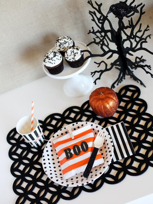 335 best diy halloween images on pinterest diy network - Kids halloween party decoration ideas ...