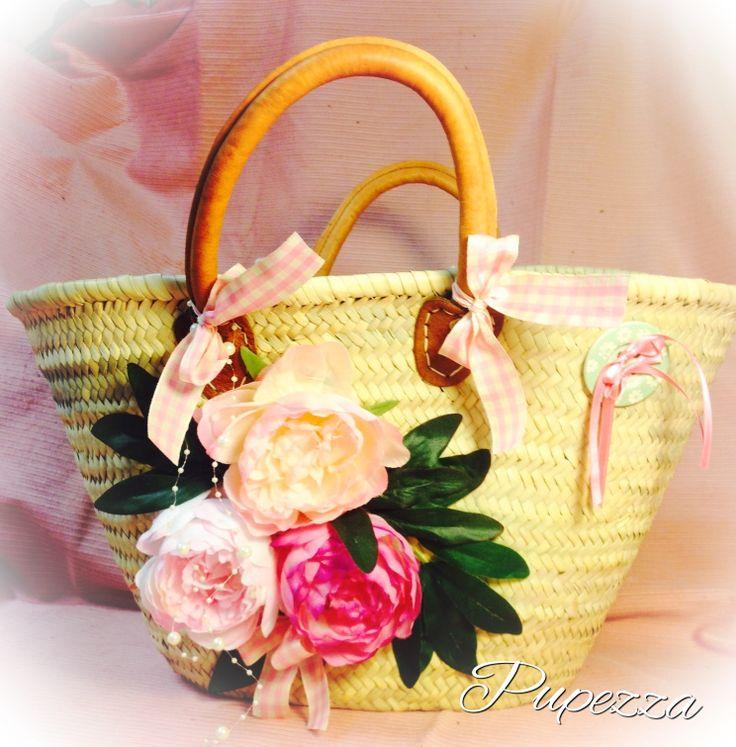 borse di paglia decorate con fiori ,personalizzabili con infinite varieta di fiori !
