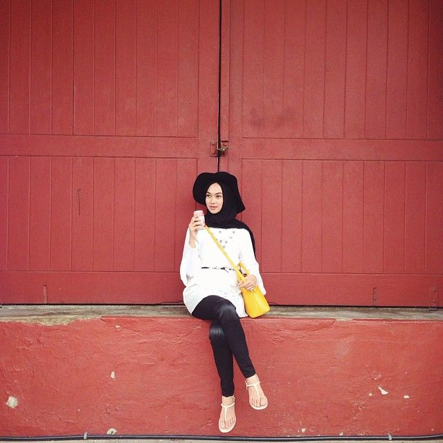 Indah Nada Puspita | Yellow