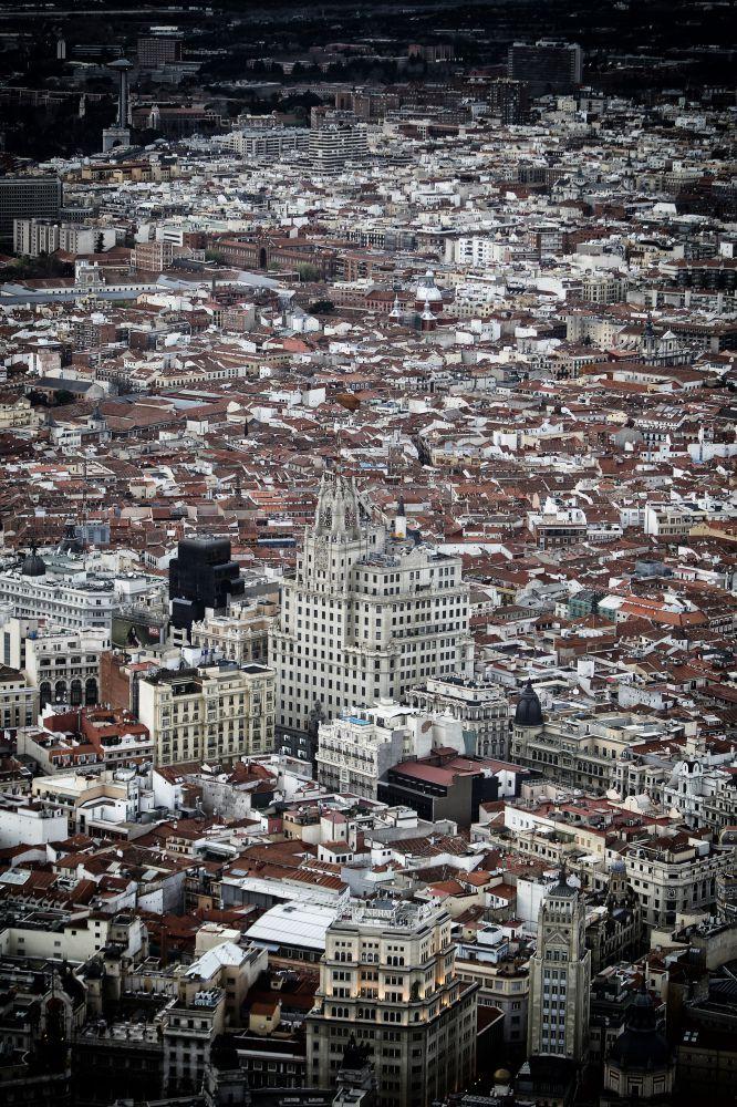Reportaje aéreo realizado desde el helicóptero de vigilancia de la Policía Nacional con motivo del traslado de cuadros del Prado