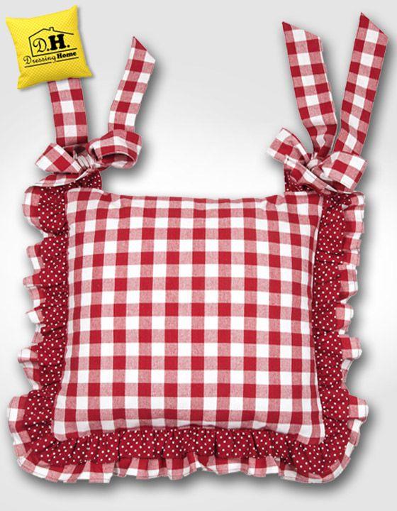 Il cuscino per sedia di Angelica Home & Country con il Suo intramontabile quadretto Vichy Rosso