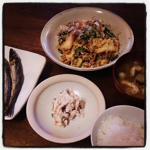 ウルメイワシ、ゴーヤチャンプル、人参と蒟蒻の白和え、茄子と油揚げのお味噌汁(*´ω`*)