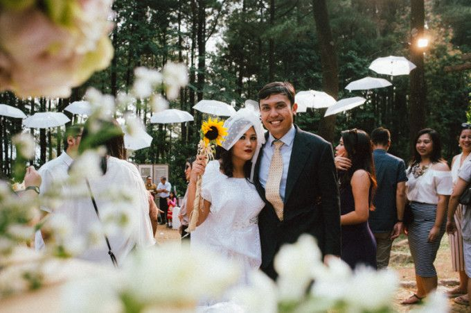 A Rustic And Fun Barn-Inspired Wedding On The Hills - 014