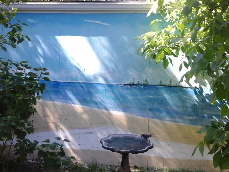 Gilles Gosselin participe au décor | Projets | CULTURAT  Le projet consiste à peindre une fresque des mers du Sud sur un mur de 8' x 24'. Nous nous sommes inspirés d'un modèle sur Internet d'une fresque murale semblable et nous avons décidé de l'a reproduire histoire de s'amuser et d'embellir la cour arrière.