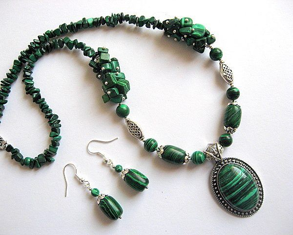 Pietre malachit verde cu negru dungat colier si cercei - idei cadouri femei - ocazie - pietre semipretioase